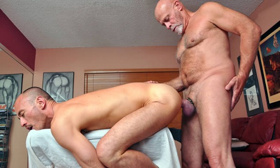 older-fucks-horny-stud-at-older4you