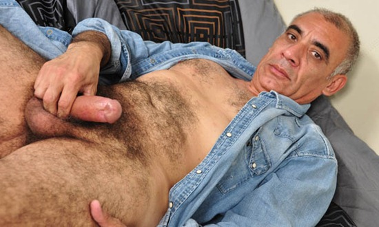 owen-jerking-at-older4me