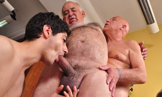 two-guys-fucking-hot-stud